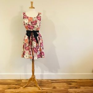 Elle Dresses - Floral ELLE Dress with Pockets (Size 16)